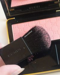 Gucci SHEER BLUSHING POWDER Coral Flower