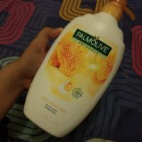 Palmolive Rich Moisture Milk and Honey Shower Milk