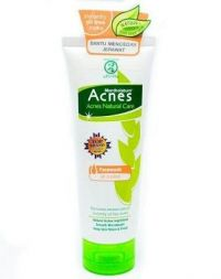 Acnes Natural Care Facewash Oil Control