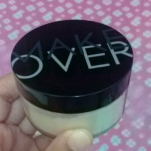 Make Over Silky smooth Translucent Powder Porcelain