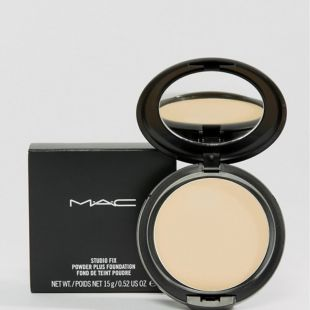 MAC Studio Fix Plus Foundation NC15