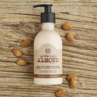 The Body Shop Conditioning Hand wash Almond