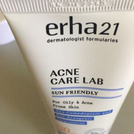 Erha  Sun Friendly for oily & acne prone skin